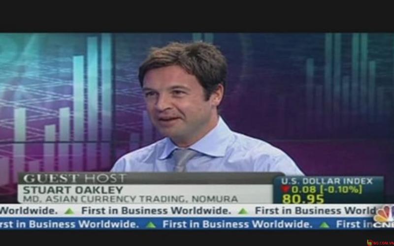 Stuart Oakley, giám đốc điều hành tại Nomura