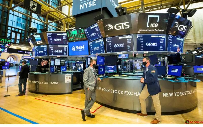 Chỉ số Dow Jones và S&P 500 đều trải qua ngày tồi tệ nhất kể từ ngày 11/6.