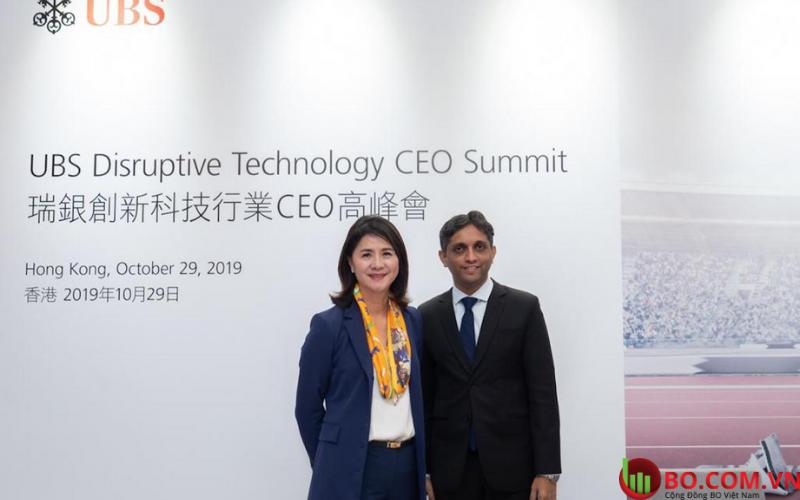 Bà Amy Lo (Bên trái), đồng giám đốc phụ trách tài sản Châu Á - Thái Bình Dương tại UBS Group AG ở Hồng Kông