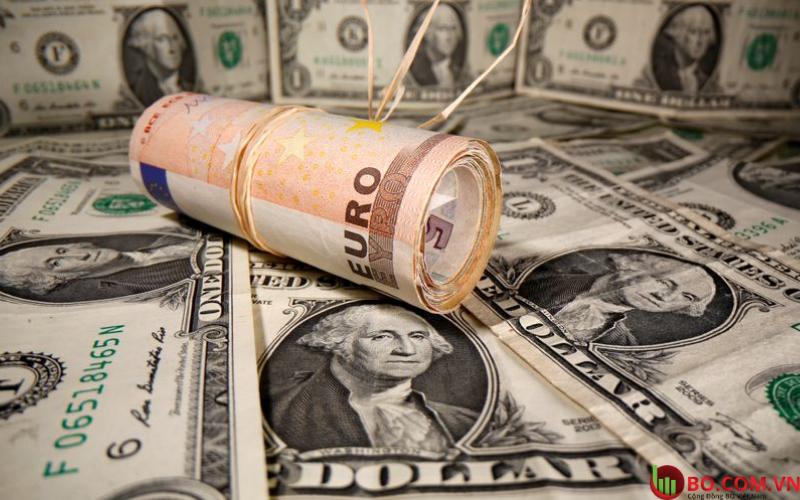 Kích thích của Mỹ nâng cao tâm lý thị trường nhưng đô la vẫn trượt giá