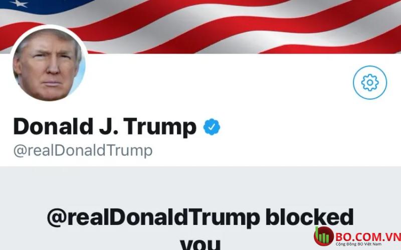 Twitter khóa tài khoản của ông Donald Trump