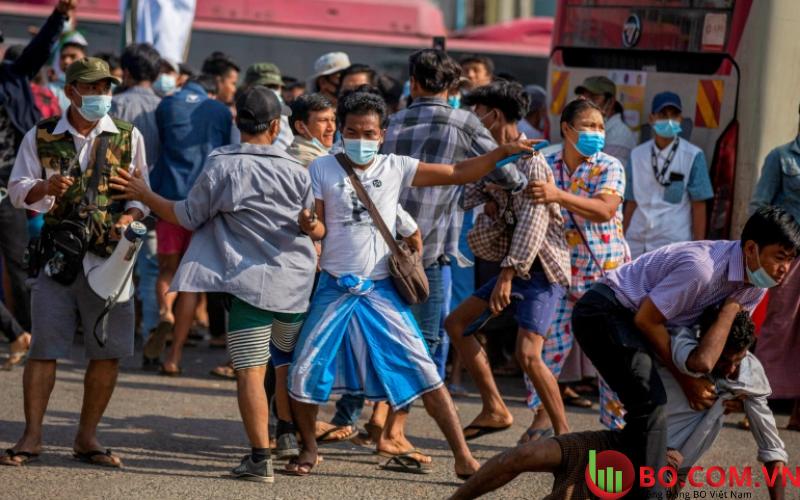 Bạo lực diễn ra tại Myanmar cuối tuần qua