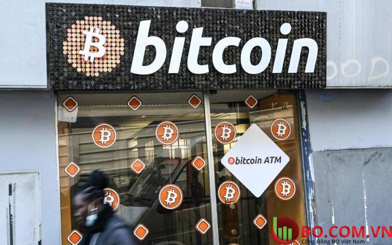 Bitcoin sụt giảm vì các chính sách của FED