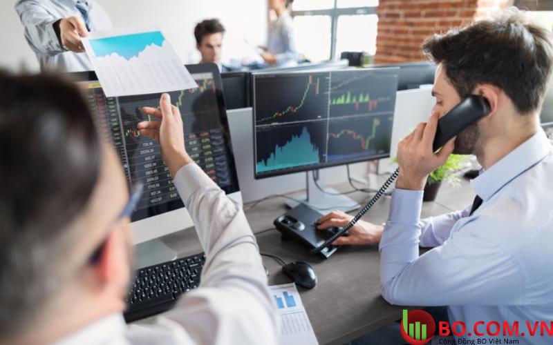Các nhà đầu tư quay trở lại với các tài sản rủi ro
